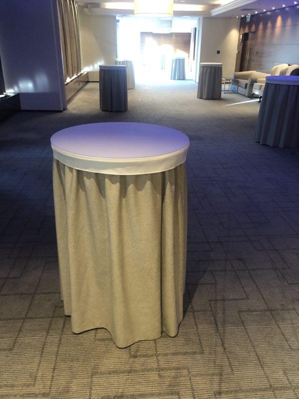 Poseur Table Cloths and Skirting